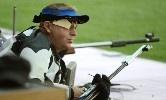London, 2012. augusztus 3. Sidi Péter befejezi a 2012-es londoni nyári olimpia férfi kisöbű szabadpuska alapversenyét a Királyi Tüzérségi Laktanyában 2012. augusztus 3-án. Sidi szétlövésben maradt le a szám döntőjéről. MTI Fotó: Kovács Tamás