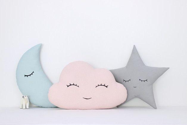 Set von drei Kissen - rosa Wolke, minze Mond und grau Sterne mit handgemalten Gesichter.  Stoff 100% Baumwolle auf den beiden Seiten der Kissen und hypoallergenen Poly Faserfüllung...