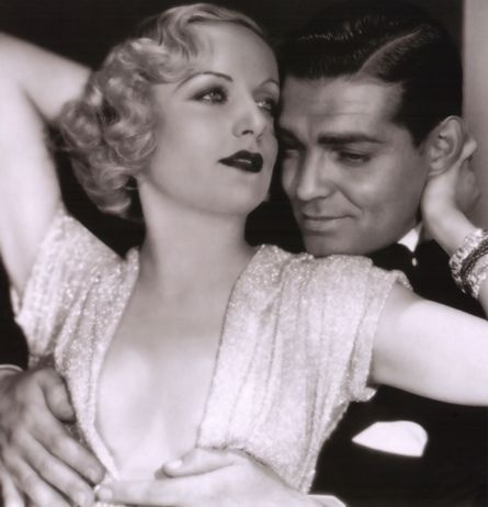 Carole Lombard and Clark Gable.. This is such a beautiful picture!