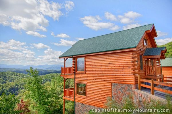 Pigeon forge pigeon and pigeon forge cabins on pinterest for Www cabins of the smoky mountains com