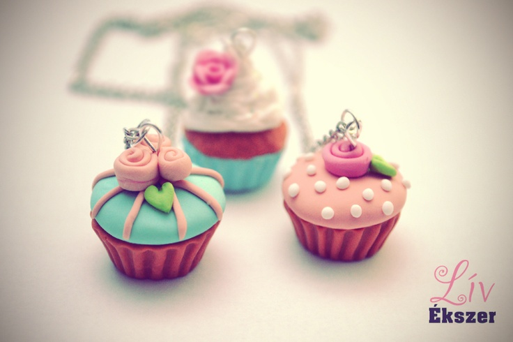 Vintage cupcake necklaces with roses for spring! :)