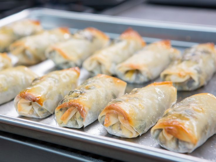 Making vegetarian egg rolls has never been so easy.