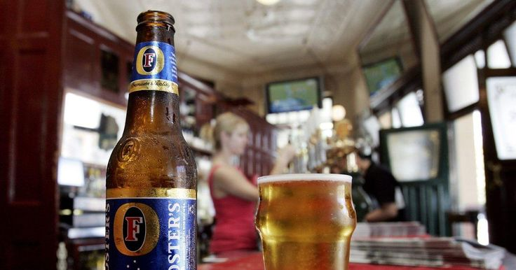 NYC man suing Miller Brewing Co. because Foster's beer is brewed in Texas http://l.kchoptalk.com/1lLigNg