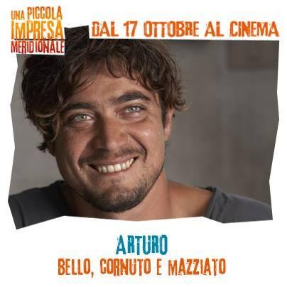 Arturo: bello, cornuto e mazziato! #WarnerComedy #CinemaItaliano #UnaPiccolaImpresaMeridionale #RiccardoScamarcio