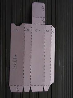 Huhu Ihr Lieben, heute habe ich die versprochene Anleitung für die Amicilli-Box für euch.... Anleitung: Ein Stück Farbkarton in d...