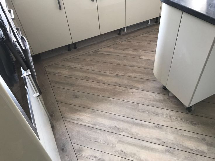 Karndean Van Gogh Luxury Vinyl Tile Floorings Colour Distressed Oak With 3mm Ds07 Design Strips