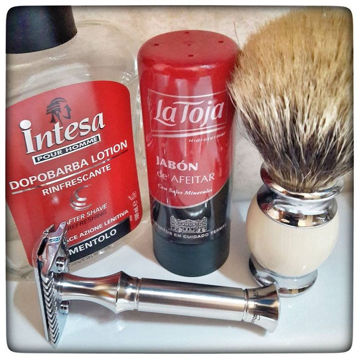 November 13th 2016 - Shave of the day  #Timor 42097 open comb safety razor ( GER )  #Personna red blade ( USA )  #Intesa menthol aftershave ( ITA )  #LaToja shaving stick soap ( ES )  #anonymous #silvertip #badger shaving brush ( CHN )  #shavelikeaman #shaveoftheday #blaireau #shavingculture #sotd #classicshave #derazor #vintageshave #wetshaving #worldshave #safetyrazor #italianwetshavers #rasierhobel #rasaturatradizionale #thebarberpole #afeitado