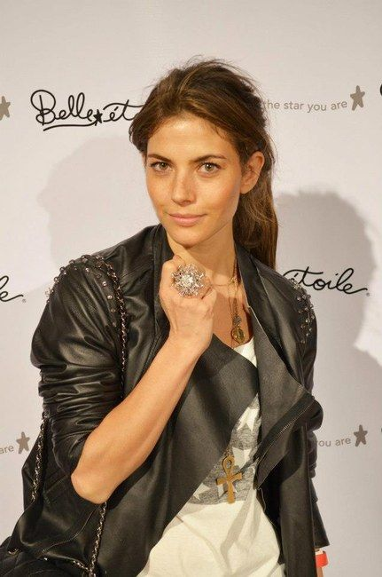Belle Etoile Corsage ring on actress Weronika Rosati #jewelry