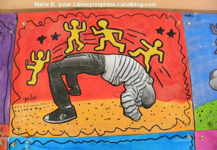 Keith Harring : Photo de l'enfant sur un fond très coloré (coller des bonshommes...)