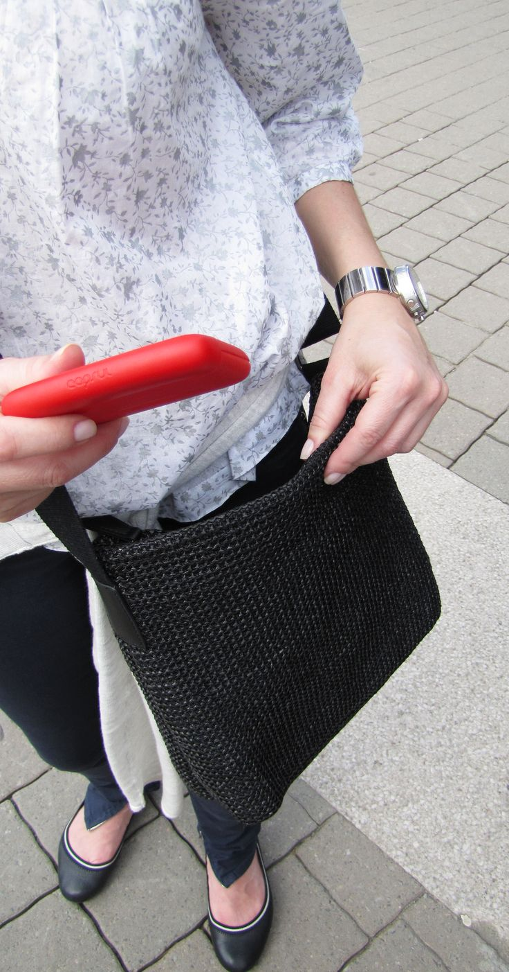 Everyday use #capsulcase   Keeps your cards safe and SO easily