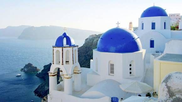 SANTORINI: Det finnes over tusen greske øyer, her er de du burde få med deg.