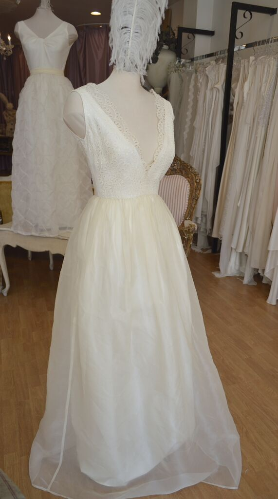 Ellie gown ...... Country Chic......     LOWON POPE – 117 JEFFERSON AVE, TORONTO, ON – 416-504-8150 – lowonpope@gmail.com