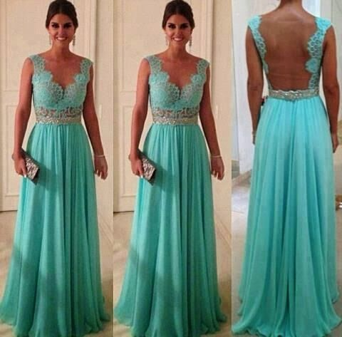 this in white would be a gorgeous wedding gown <3