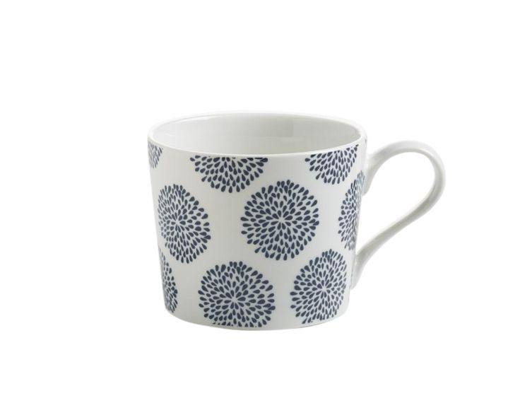 Het Indigo koffiebeker bloemen 230 ml is een echt ontbijt servies en is een nieuw onderdeel van het merk Maxwell & Williams. De productlijn bestaat uit vele verschillende borden, kommen, mokken, koffiebekers en koffieschotels.