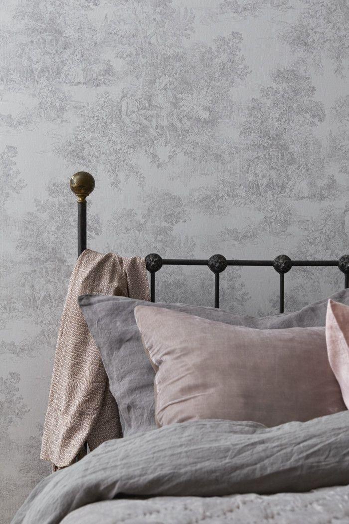 Ibland säger en bild mer än tusen ord. Den här från Boråstapeters nya kollektion Vintage, tycker jag säger mycket om hur en färgsättning som känns bra i ett sovrum bör se ut. Är det något rum som...