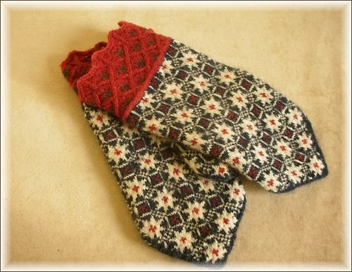 Estonian mittens - love the colorway here