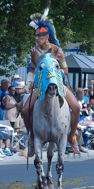 native american parade horses | ... Native Americans from around the Pacific Northwest in the Pendleton