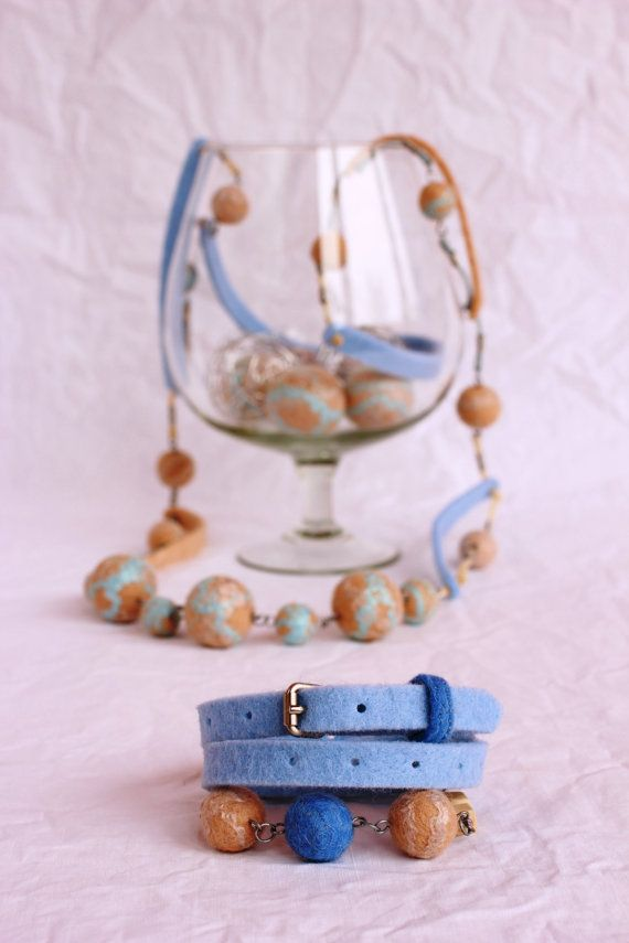 Blue felted necklace and bracelet-60 cm-Handmade.