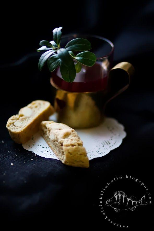 Vatsasekaisin Kilinkolin -ruokablogi: LUUKKU 2: MUMMIN MANTELIPIPARIT