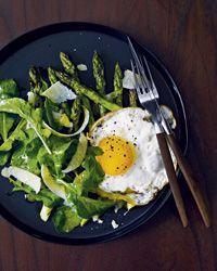 Grilled Asparagus Salad with Fried Egg: Butter Fried, Recipe, Food, Grilled Asparagus, Egg Salad, Fried Eggs, Arugula, Asparagus Salad