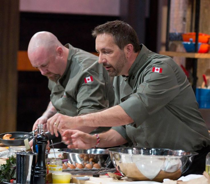 Chef Stuart and Chef Dez race against the clock.