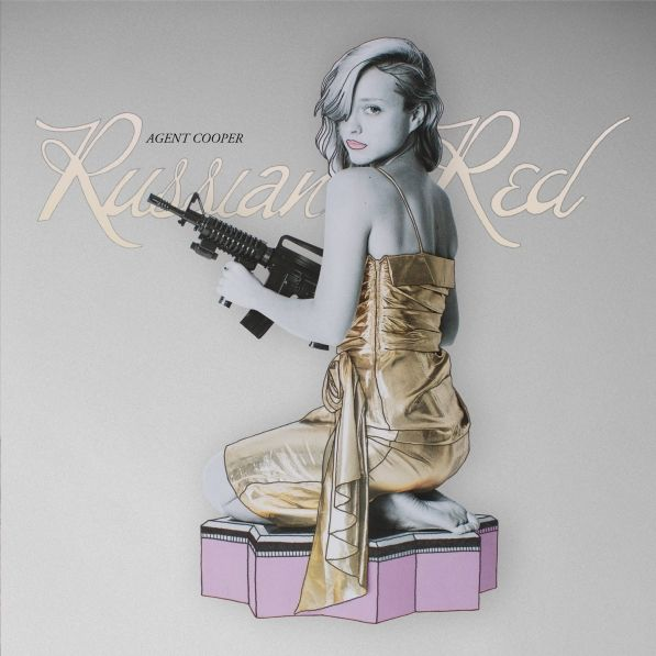 Russian Red, escalada de éxito   Revista Semana 'Agent Cooper', el tercer disco de Russian Red ha entrado directamente en el número cinco de la lista de ventas y lo acaban de presentar con gran éxito en la sala La Riviera de Madrid.