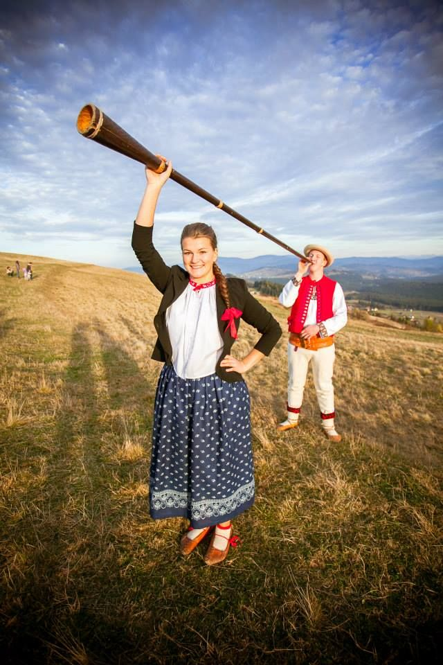 Polish costumes: Beskid Śląski - Górale (highlanders) from Istebna.