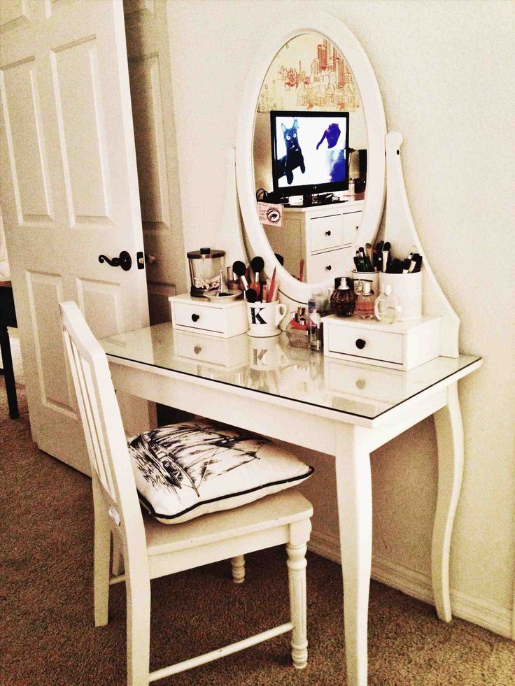 Best 25 ikea vanity table ideas on pinterest white for Ikea hemnes vanity table