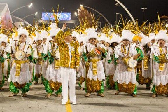 A Vila Maria vai inaugurar o primeiro centro cultural da região no sábado, com uma programação especial que começa às 10h30. A bateria da escola de samba Unidos de Vila Maria e o espetáculo do grupo Jogando no Quintal são as atrações que receberão a população local e interessados. A entrada é Catraca Livre.