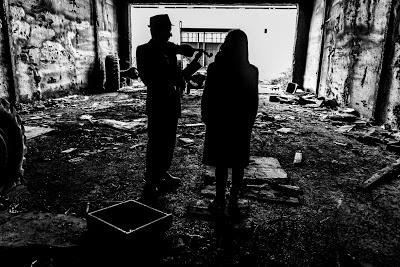 Violista Franco Locardi.  Fábrica abandoada, Santiago de Compostela