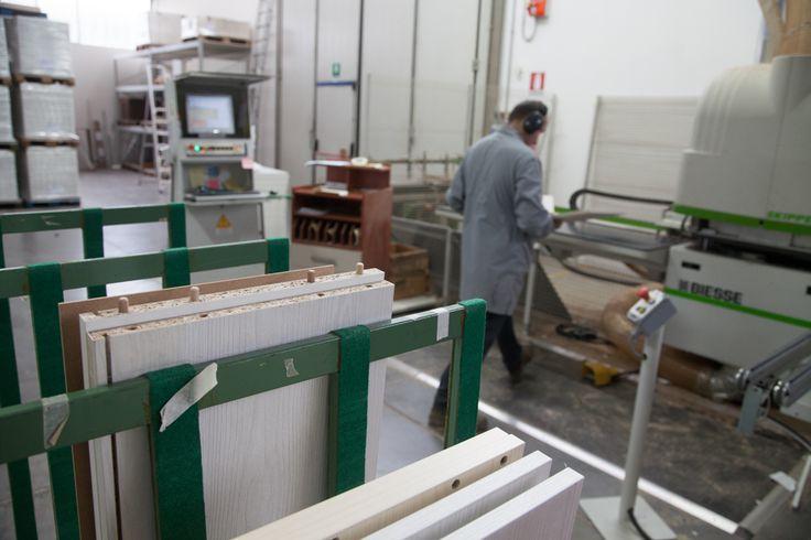 Working hard! - www.cucinesse.it #artigianalità #tecnologia #qualità #madeinitaly #arredamento #cucina #casa