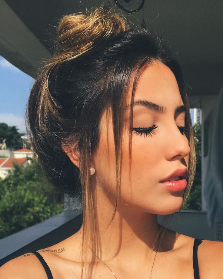 I wish I could do a cute messy hair do like this
