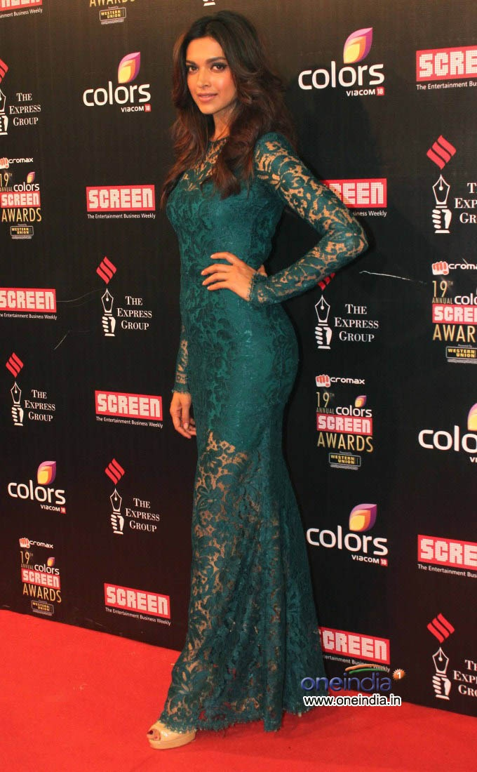 Deepika Padukone at Colors Scren awards 2013