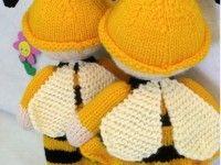 Bir çift örgü oyuncak arı yapımı