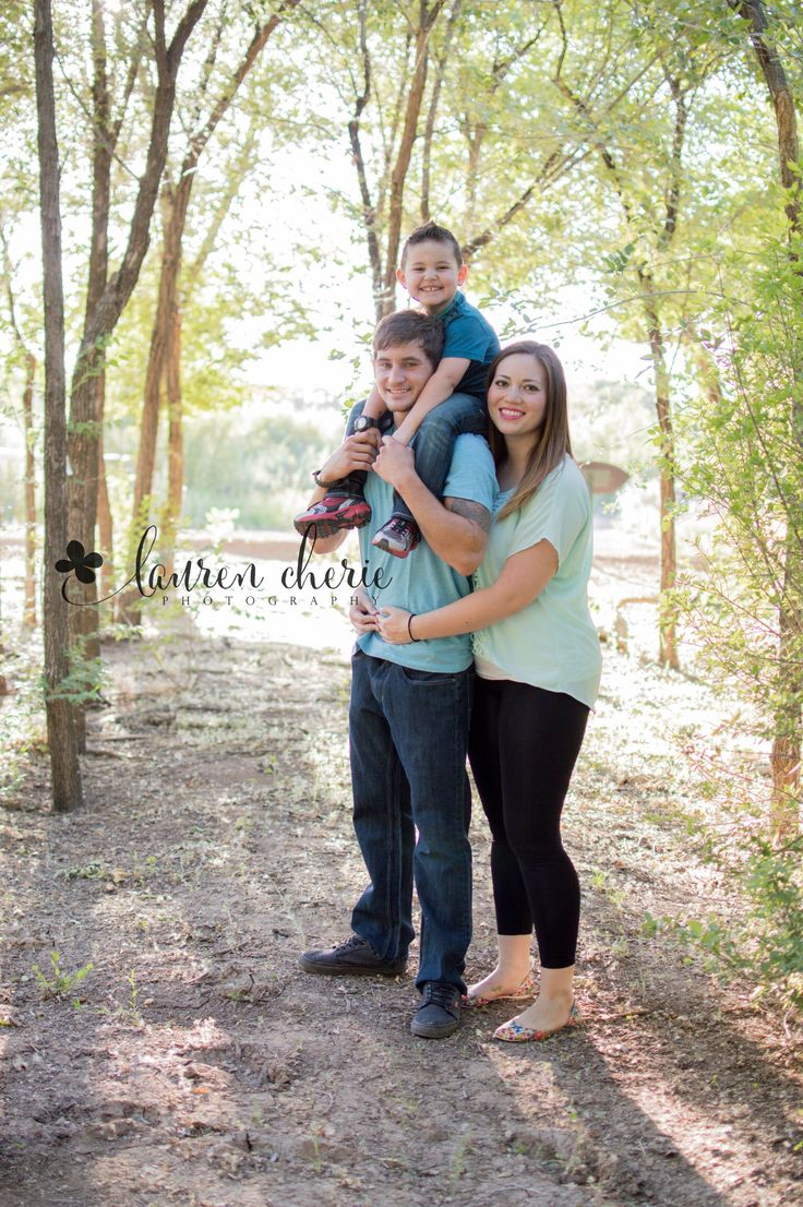1000 images about family picture ideas on pinterest for Family of 3 picture ideas