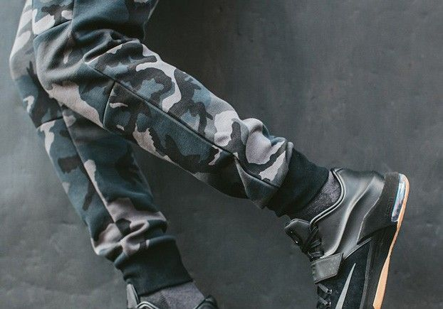 Nike Tech Fleece Camo Joggers (Loden). Makes the kicks look better.