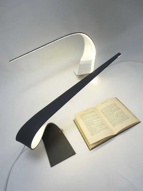 Slick LED Desklamp