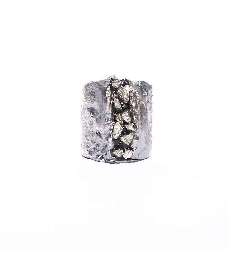 Ear cuff pyrite
