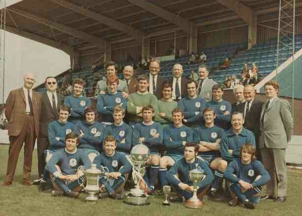 Macclesfield Town team group with the FA Trophy in 1970.