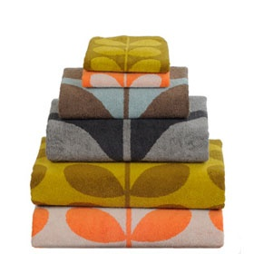 Love these bath towels by Orla Kiely...they would be perfect in the upstairs bath!