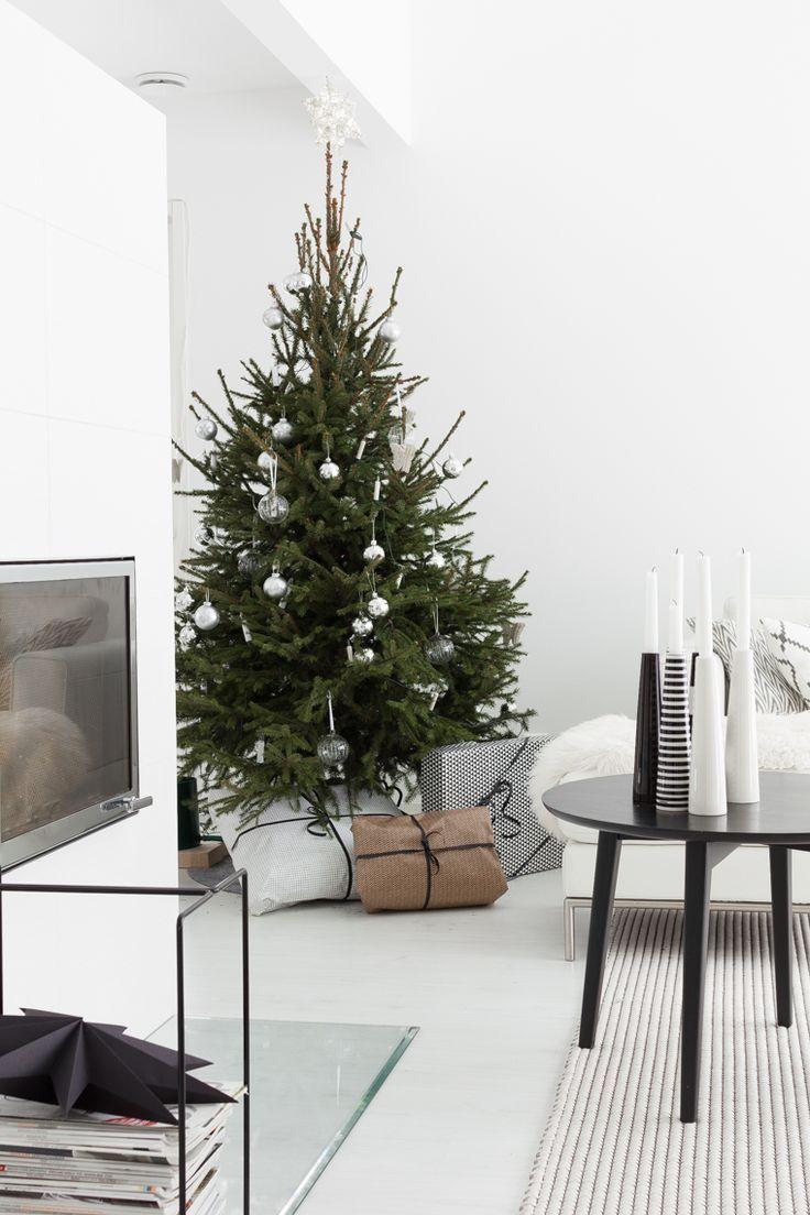 contemporary #Christmas #tree || lisbet-e