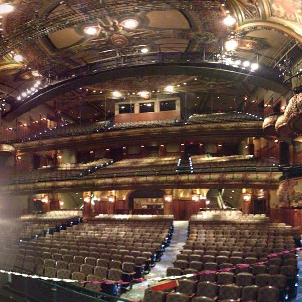 8 00 p m aladdin at the new amsterdam theatre end for New york balcony view