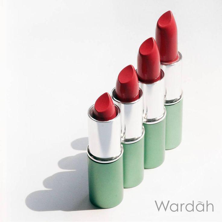 """Ceriakan weekendmu dengan warna-warna memukau dari Wardah Exclusive Lipstick. Formulanya yang lembut dapat melembapkan bibirmu dan tahan lama seharian.…"""