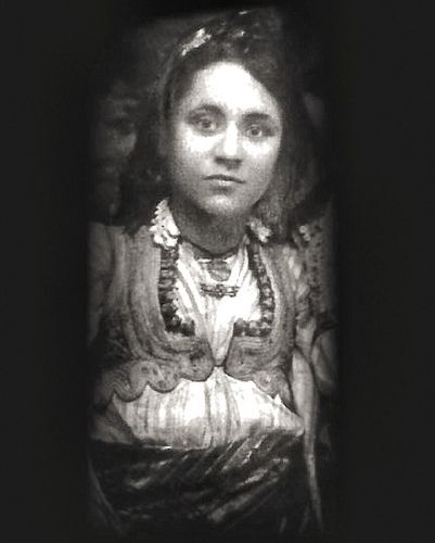 We have always known Mother Teresa as an aged woman. This is a pic of a beautiful 18 year old Mother Teresa.