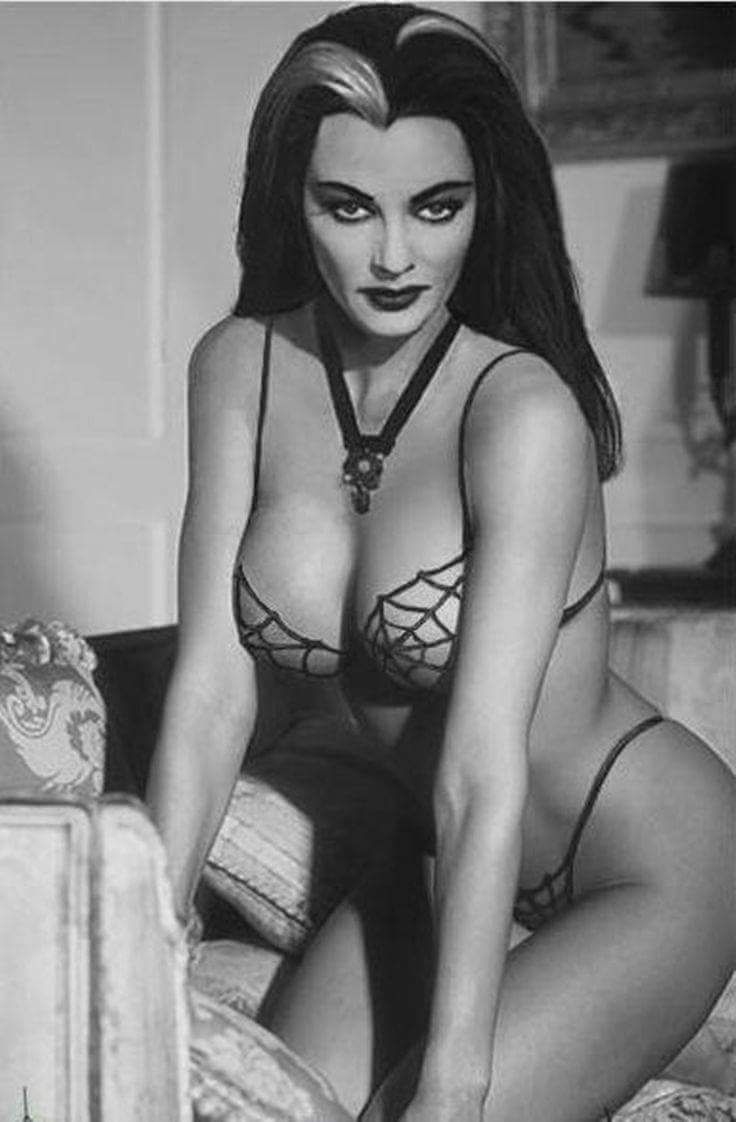 "Yvonne De Carlo aka ""Lily Munster"" 1960's"