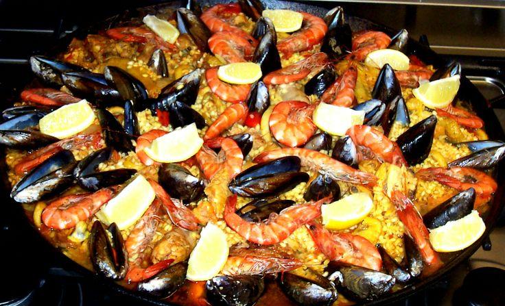 La paella est un plus typique d 39 espagne base de riz d 39 origine valencienne et qui tire son nom - Cuisiner un magret de canard a la poele ...