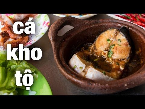 """Vietnamese """"Ca Kho To"""" - braised and caramelized catfish in a clay-pot on the streets of Saigon!"""
