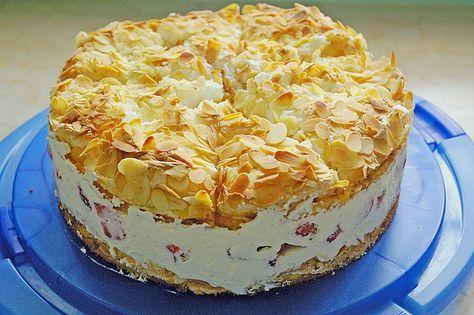 Zutaten 4 Ei(er), getrennt 100 g Butter 300 g Zucker 2 EL Milch 125 g Mehl 1/2 Pck. Backpulver 2 TL Vanil...