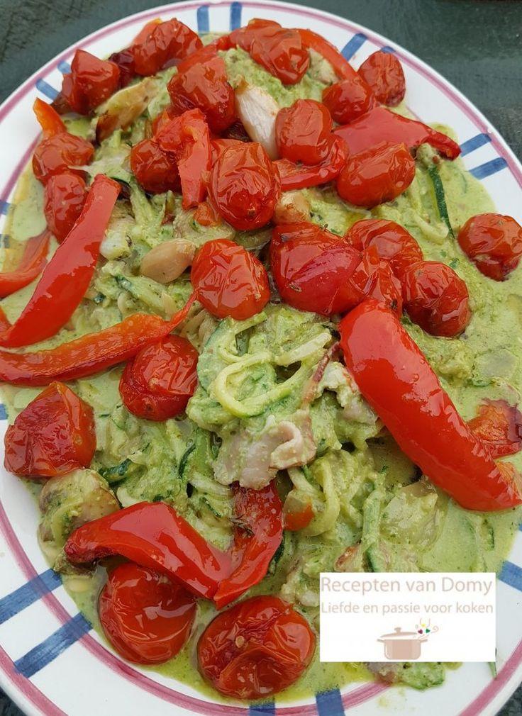 Healtly food recept Doe de tomaatjes in een ovenschaal. Verdeel de knoflook en de tijm tussen de tomaatjes. Ik had een halve paprika erbij gedaan maar u