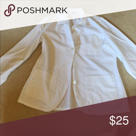 White lab coat This is a lab coat I have only ever worn once for a chemistry lab and now it doesn't fit me. I am willing to bargain if you send me a offer 😊 meta Jackets & Coats